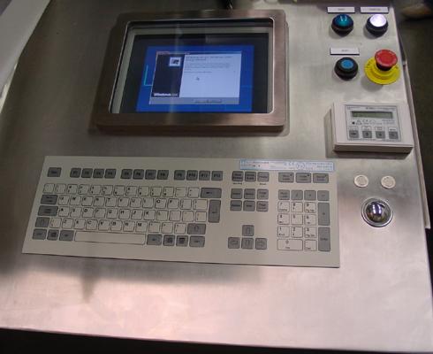 Computerbediening met overdruksysteem